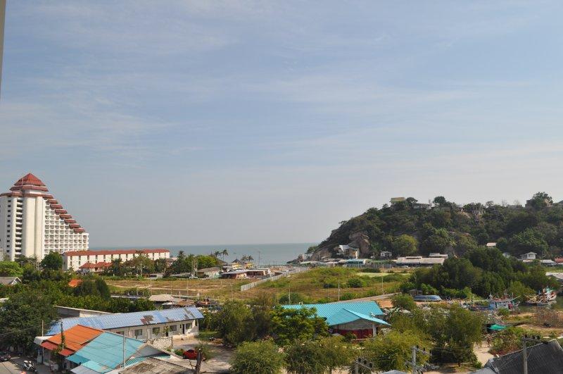 Panorama Ocean view 1 bedroom Apartment, holiday rental in Ban Nong Kae