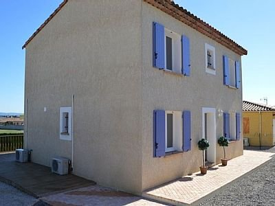 4 Bedroom Villa in a quaint French Village ideal for a total relaxing holiday, location de vacances à Conilhac-Corbieres