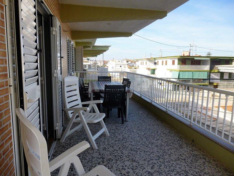 Apartamento a 90 m del mar totalmente reformado, vacation rental in Pego