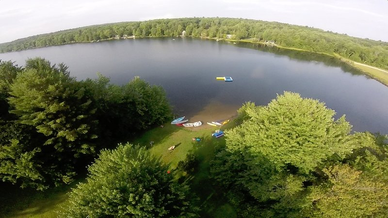Lakefront Summer Vacation Cottages-#20, vacation rental in Hampshire County