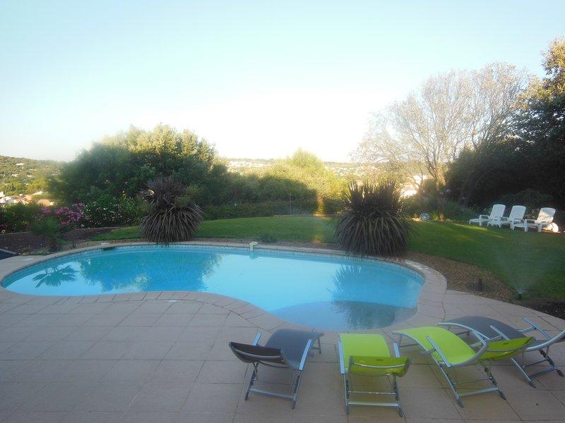 Villa F5 avec jardin, piscine et wifi, aluguéis de temporada em Les Matelles