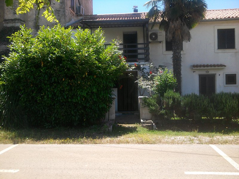 Apartment Natalia, vacation rental in Cervar Porat