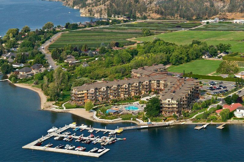 The Cove Lakeside Resort befindet sich am westlichen Ufer des Okanagan Lake