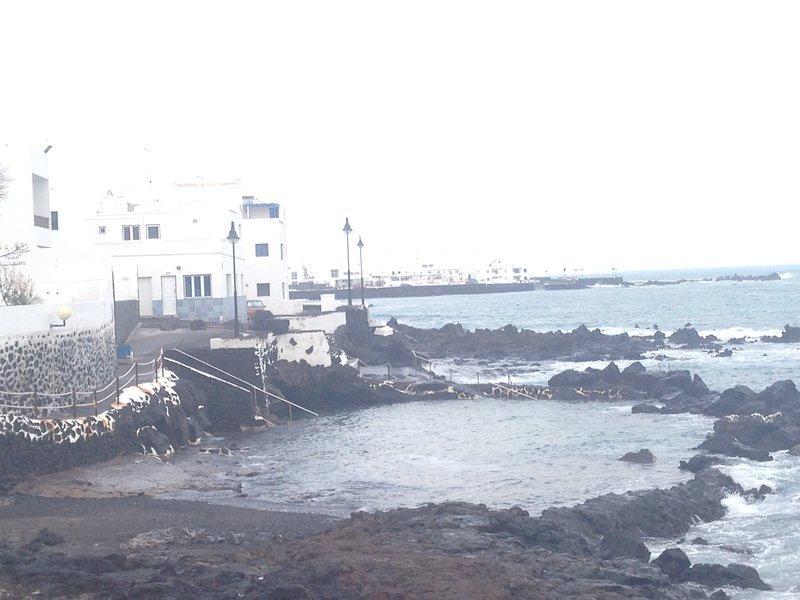 Apartamento Las Salinas - A one minute walk from the sea, vacation rental in Punta Mujeres