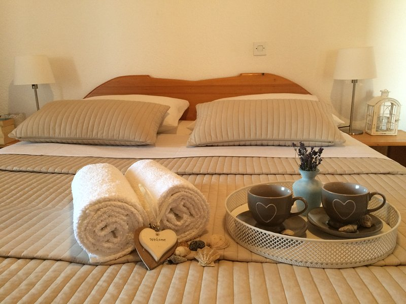 Room for two near beach and National Park, alquiler vacacional en Starigrad-Paklenica