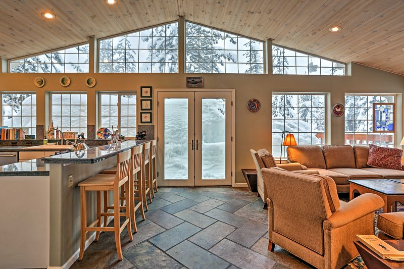 A memorable getaway awaits you at this lovely vacation rental house in Olympic Valley.
