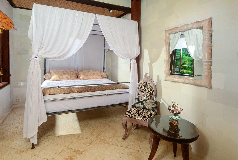 Tebing villa, vacation rental in Ubud