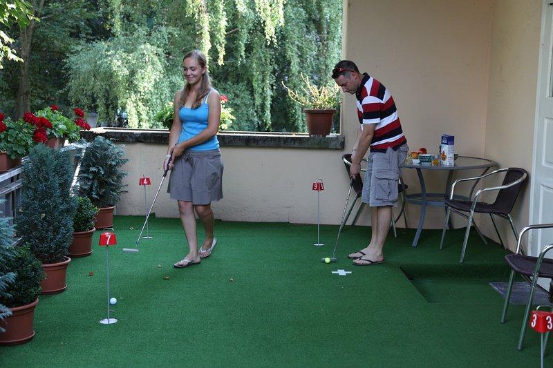 Golf - mettendo.
