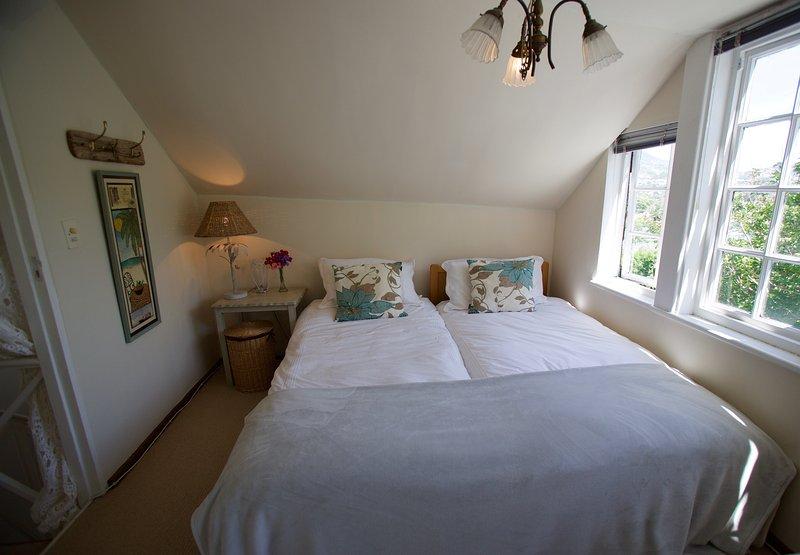 Loft bedroom twin beds