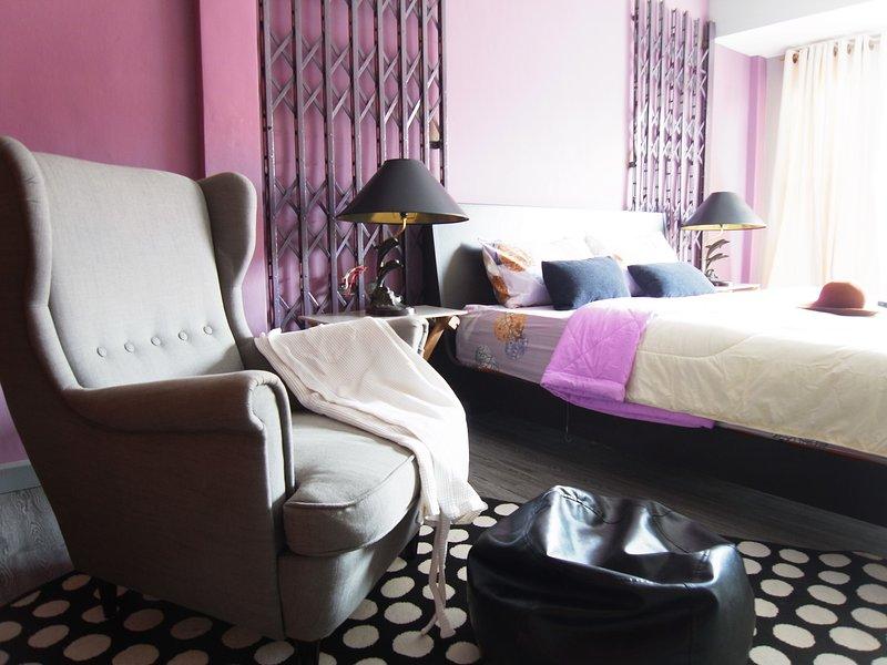 Promo!  Near BTS, The Gothic Room, vacation rental in Samut Prakan