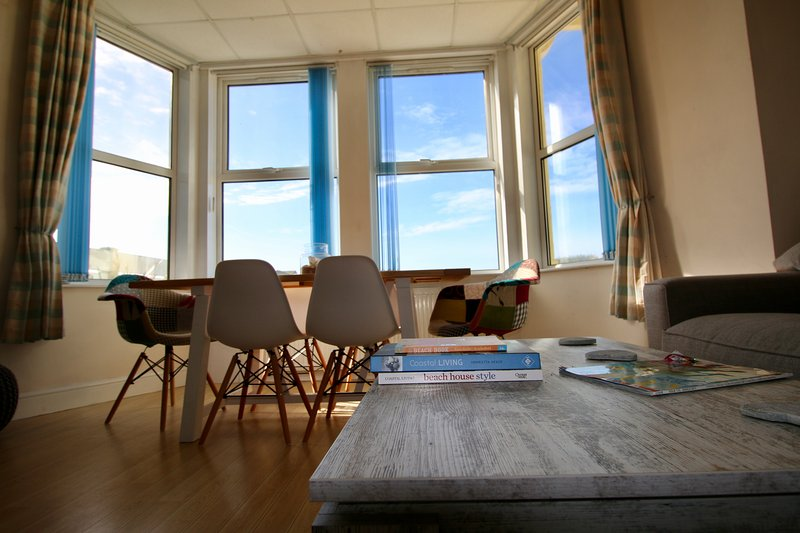 Beach Front Apartment Twywn, vacation rental in Tywyn