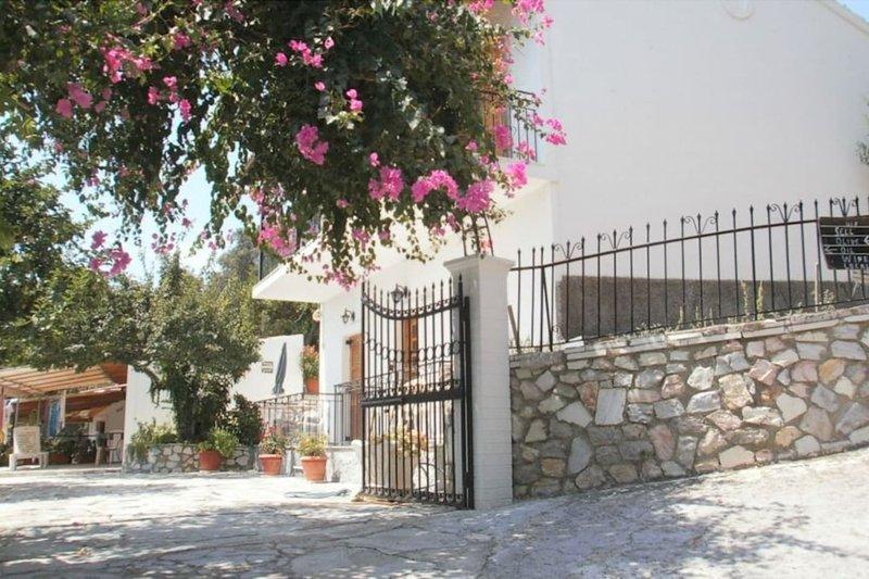 Ulisse Apartments Paleokatsritsa, location de vacances à Paleokastritsa