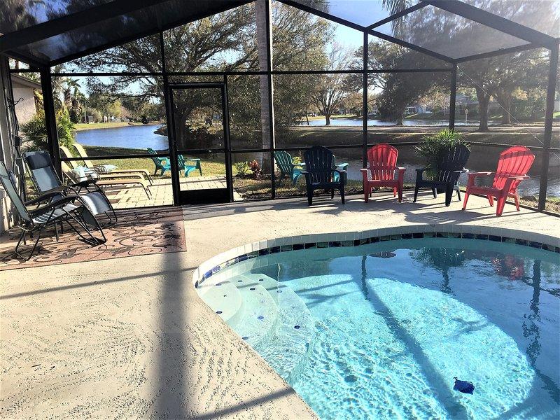 Willkommen in Florida Leben, tropische Palmen / landscap, Blick auf See und Sonnendeck, fische, schwimmen Sonne n Spaß