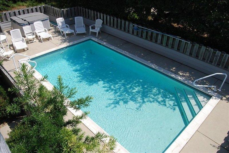 7 Bd- 5BA W/Pool/Hottub Oceanfront & Indoor Pool, Gym, alquiler de vacaciones en Duck