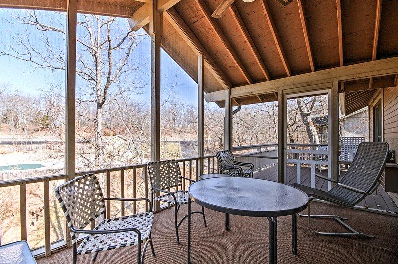 Elevare il vostro rifugio Osage Beach con questa suggestiva casa per le vacanze.