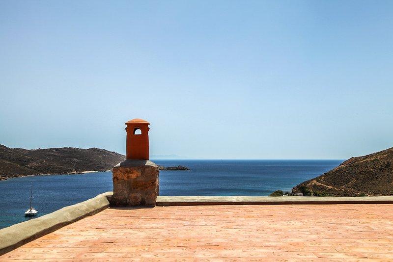 Spacious house with sea view & Wifi, casa vacanza a Grikos