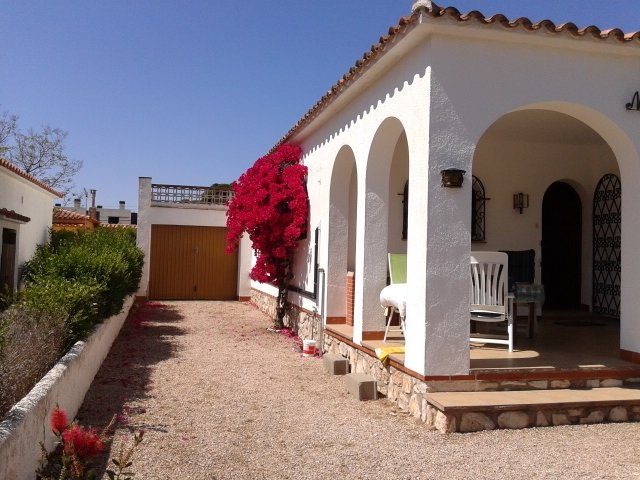 Chalet Individual con Jardin, vacation rental in Miami Platja