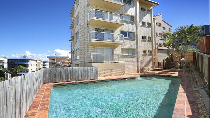 Alinga Unit 4, Amazing Ocean Views, vacation rental in Caloundra