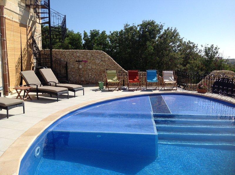 Xaghra Luxury Villa with Pool, vacation rental in Xaghra
