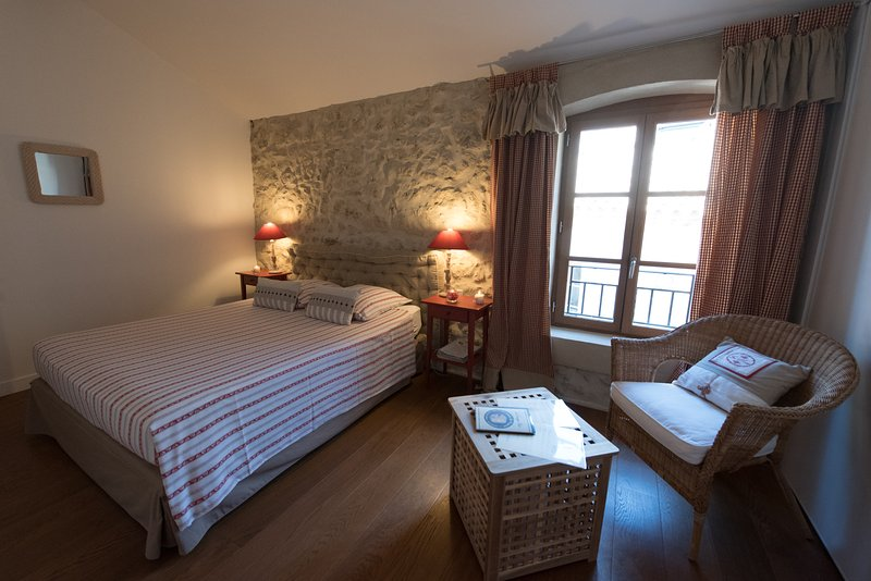 Chambre framboise, holiday rental in Ouveillan
