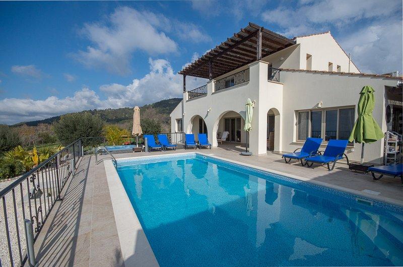 Paradise Villa, holiday rental in Steni