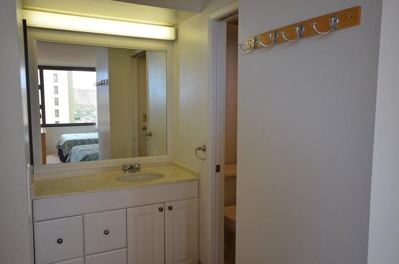 Door,Sliding Door,Indoors,Room,Bedroom
