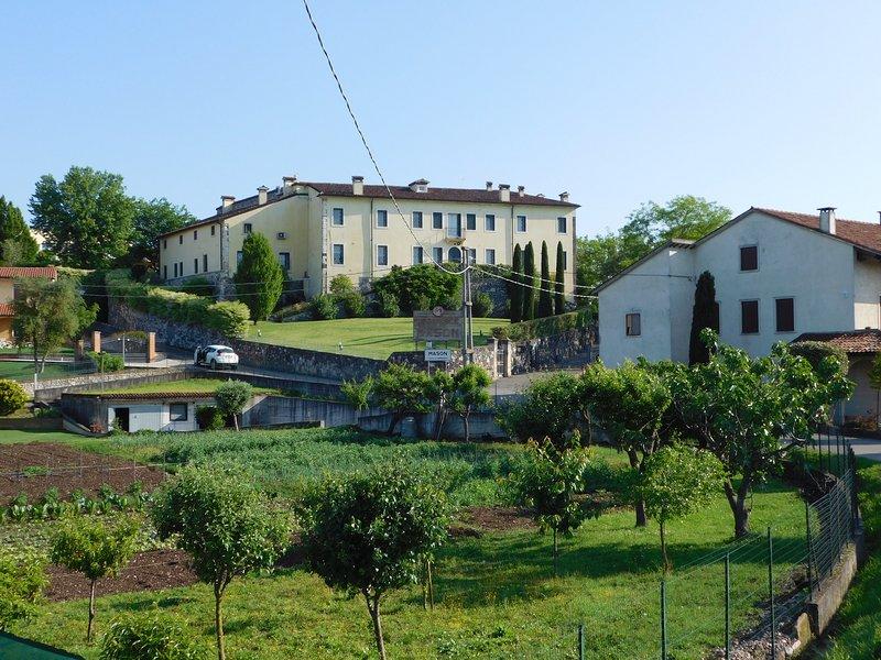 Residence La Mason - Large Apartament, vacation rental in Montecchia di Crosara