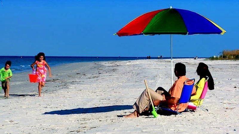 World Famous Puerto Banus Marbella 1km Away. NO CAR REQUIRED, vacation rental in Marbella