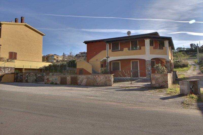 Accogliente appartamento vista mare C.IUN: P4592, location de vacances à Lu Bagnu