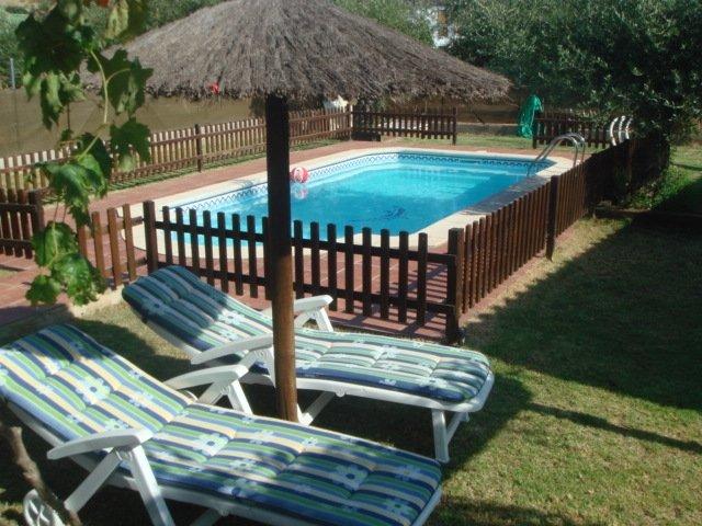 VILLA ANDREA.  Acogedora casa en plena naturaleza con piscina, holiday rental in Benarraba