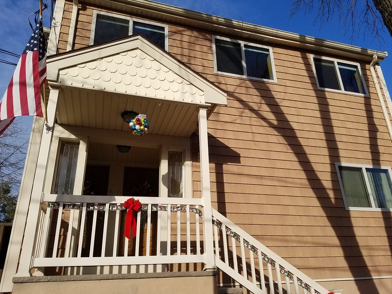 Cozy Double Room near Harvard Square (Share bathroom), alquiler de vacaciones en Arlington