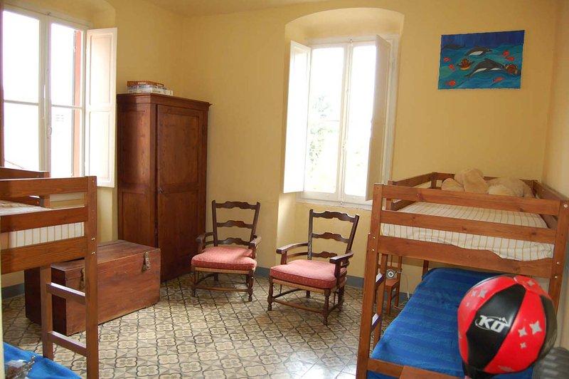 Habitación 4 literas