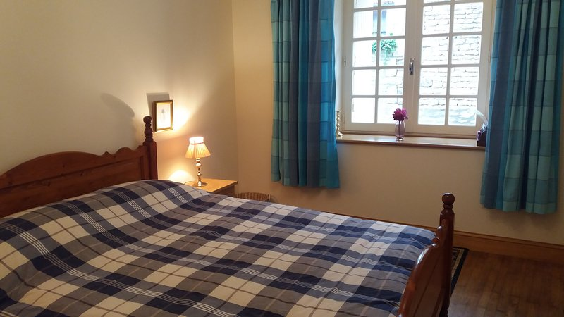 Besse Chambre D'Hote, vacation rental in Aigre