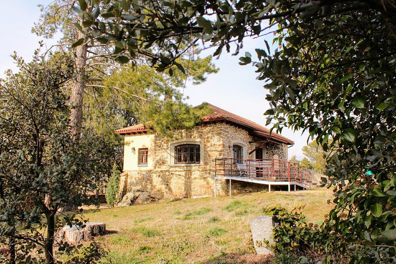 Casa Rural El Pinar, holiday rental in Abades