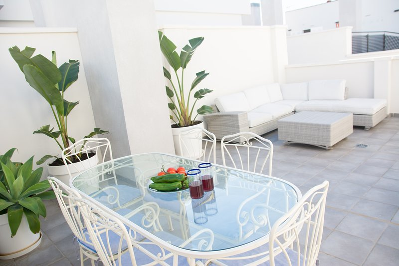 Private Terrace - 6 sittings