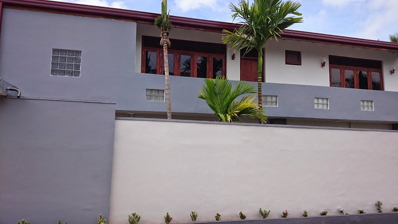 Furnished Luxury Guest House, vacation rental in Nugegoda