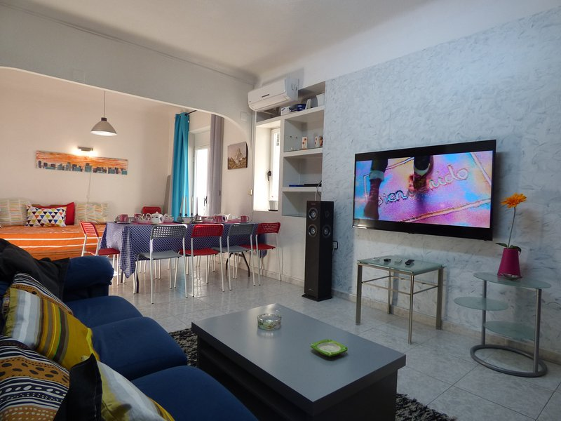 SINGULAR!! GROUPS & FAMILIES, holiday rental in San Isidro de Albatera