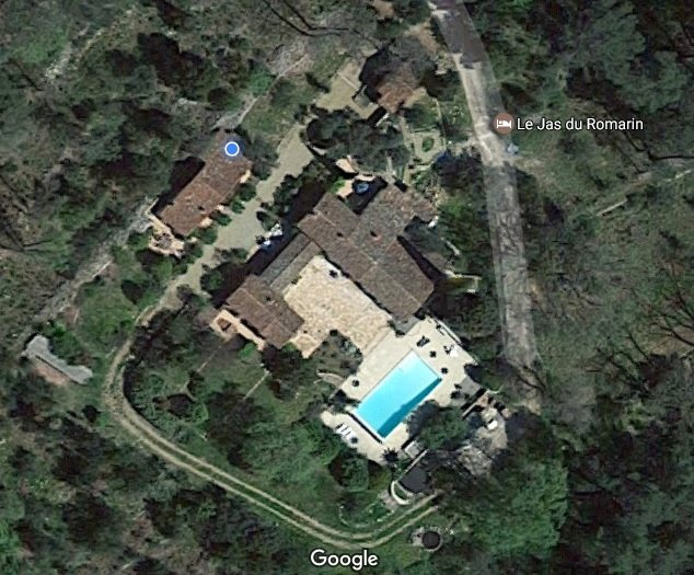 An Arial view of the property 'Le Jas du Romarin'