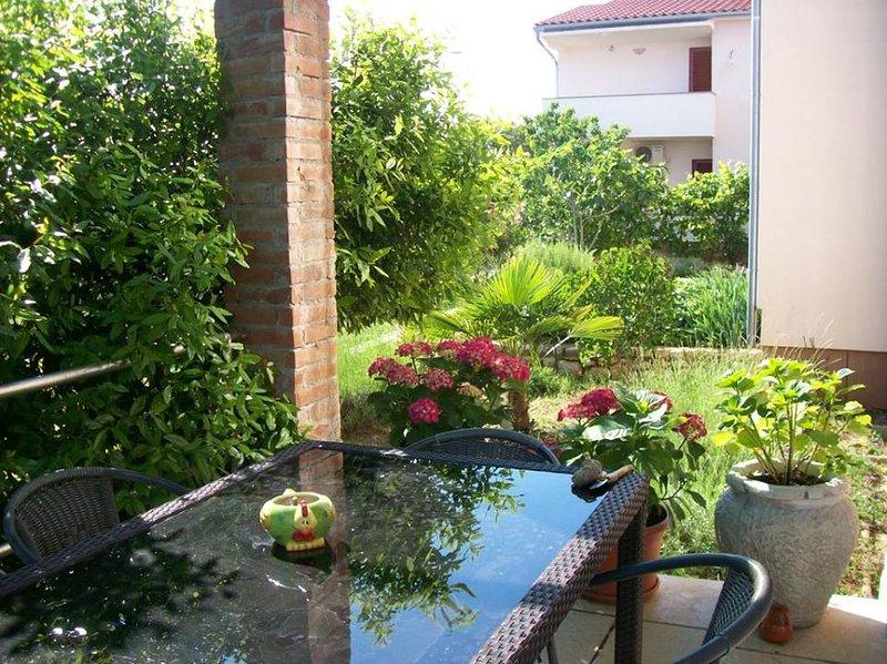 App en la planta baja de la pizca de 2 teras y jardín privado