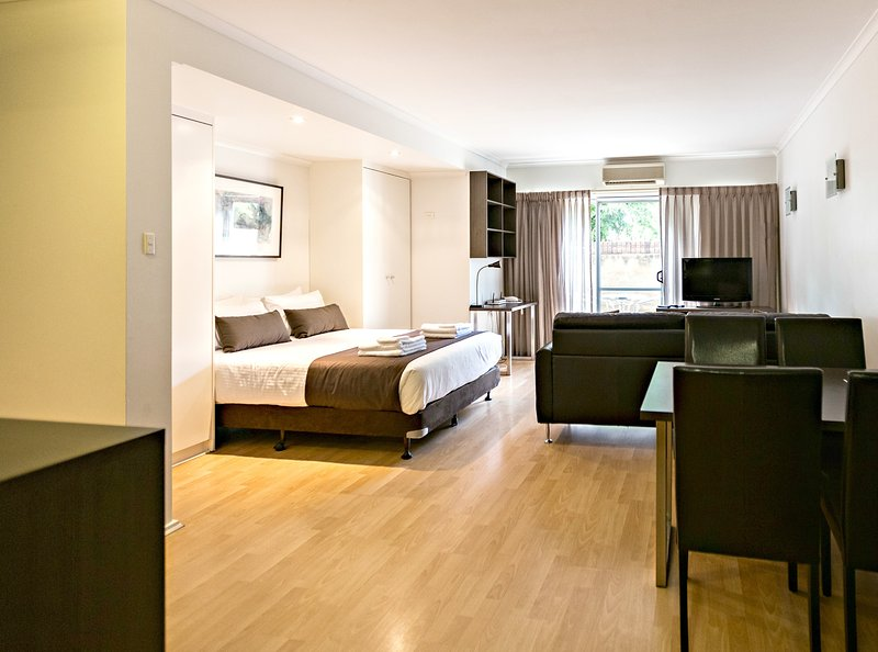 Studio Apartment - Archer St, North Adelaide, holiday rental in Greater Adelaide