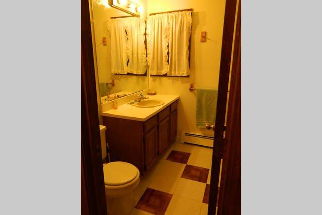 2nd. Floor full bathroom in -B- side of duplex.