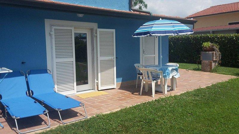 L'ANGOLO BLU IMMERSO NEL VERDE, holiday rental in Sarzana