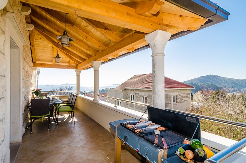 Apartments Subrenum - Comfort Two Bedroom Apartment with Terrace and Sea View, alquiler de vacaciones en Mlini