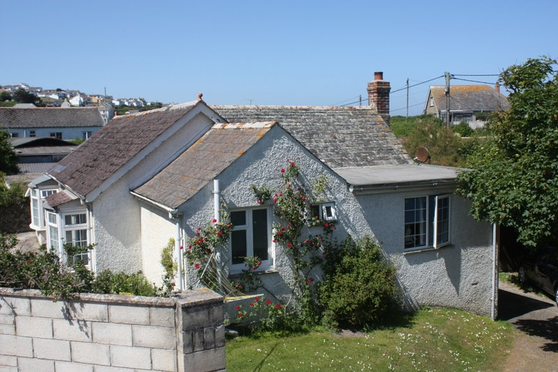 Comfortable Holiday Cottage In The Heart Of Polzeath, location de vacances à Trebetherick