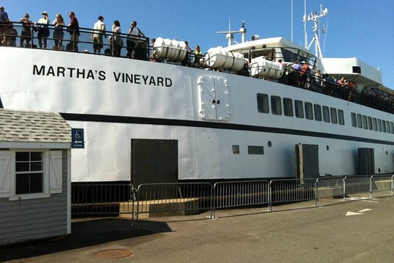 A Autoridade Steamship é executado com freqüência. Você pode obter os barcos de Woods Hole ou Hyannis.