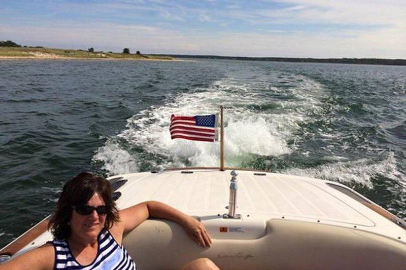 Passeios de barco no Sengekontacket Pond (que dá para o mar).