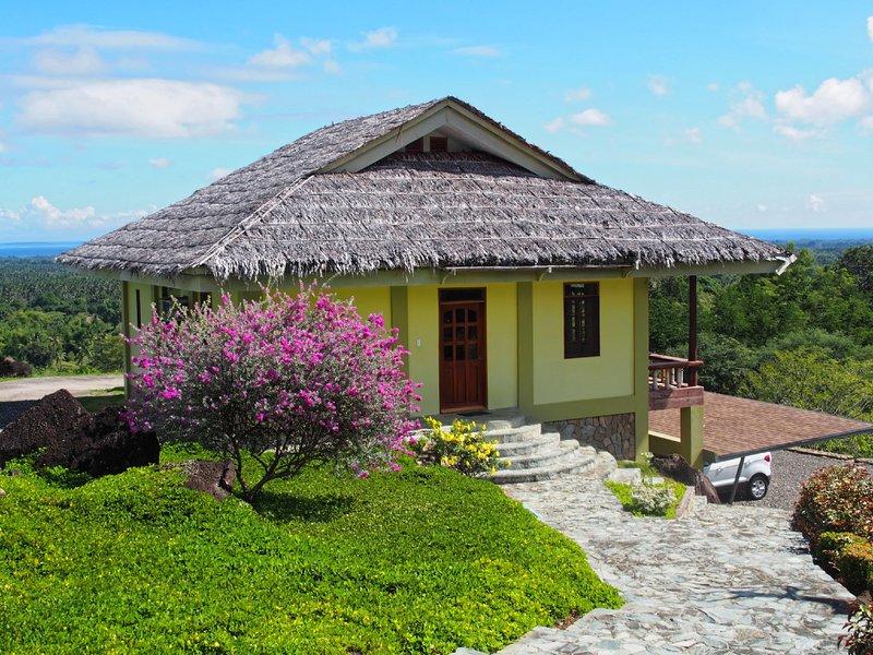 Ein helles, freundliches Haus mit freier Aussicht übers Meer.