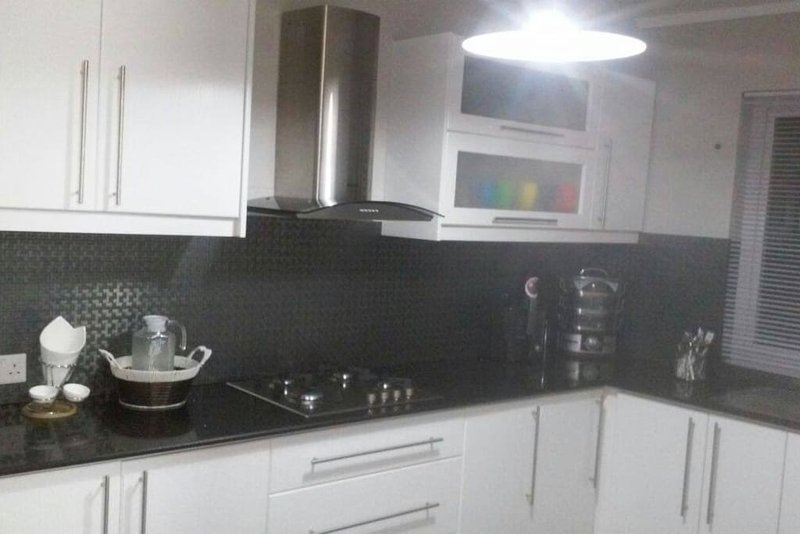 Appartement tout équipé, plusieurs services en plus possible, location de vacances à Curepipe
