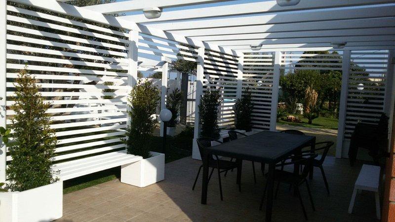 Villa Lipari climatizzata con piscina ad uso esclusivo - wifi, holiday rental in Arenella