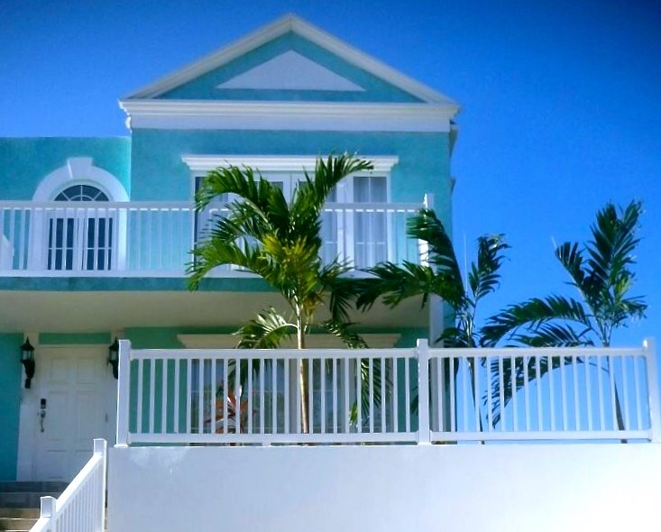 'Sunset Vista' Negril Oceanfront Townhouse, holiday rental in Westmoreland Parish